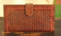 novica leather wallet http://twoclassychics.com