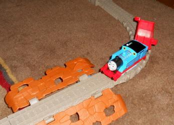 Thomas & Friends: Trackmaster Motorized Railway Castle Quest Set