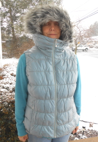 Northern Aurora Down Vest in Wave (Ice Blue)