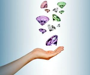 How to Clean Your Swarovski Crystal Jewelry http://twoclassychics.com/2014/03/clean-swarovski-crystal-jewelry/