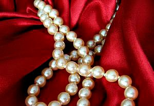 Caring for Your Natural and Cultured Pearls