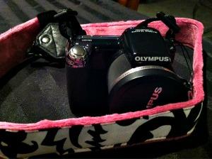 mod camera strap http://twoclassychics.com/2014/05/mod-designer-camera-straps-and-accessories-for-summer-travels/