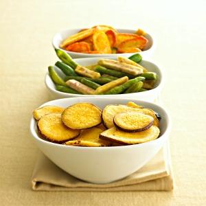 veggie chips  http://twoclassychics.com/2014/06/5-healthy-veggie-chip-recipes/
