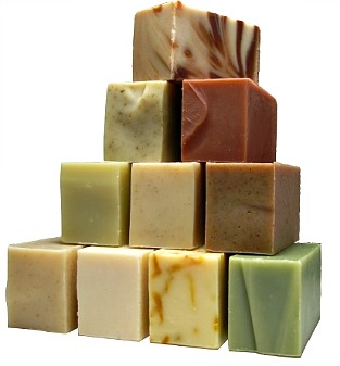 third day natural soaps http://twoclassychics.com/2014/06/td-naturals-handmade-soaps-skin-care/