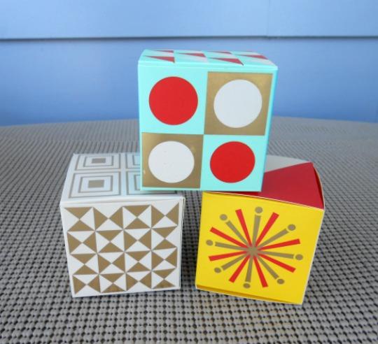 Vintage Sparkle 15 Festive Ornaments Holiday Craft Kit