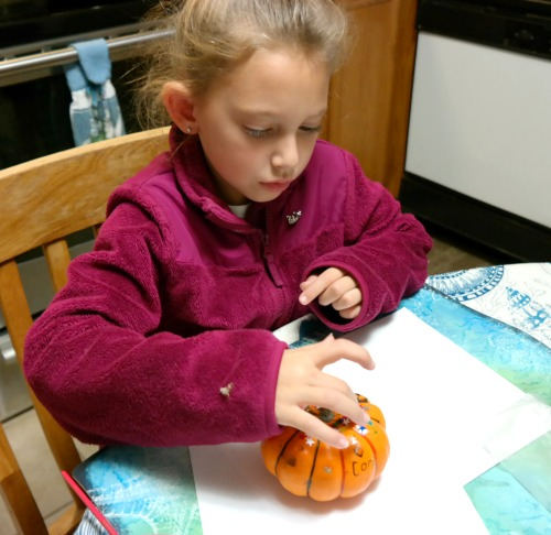 Kid's Craft Project: Glittered Pumpkins for Thanksgiving