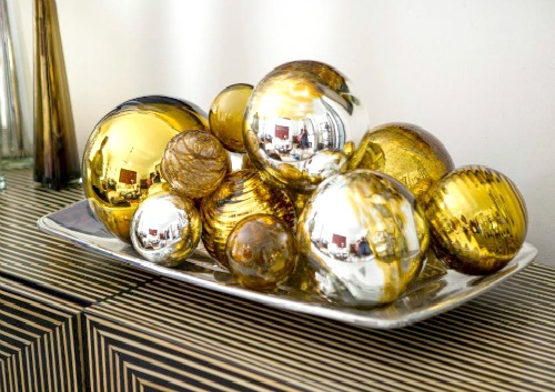 Elegant Holiday Decor for Your Mantle and Table Spread