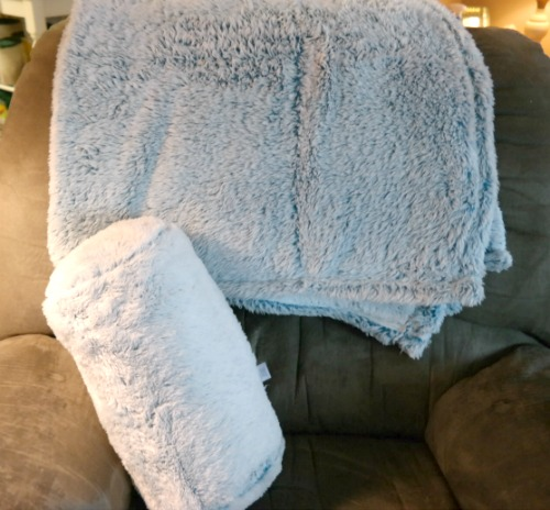 Tipped Extra-Fluffy Throw by Berkshire Blanket