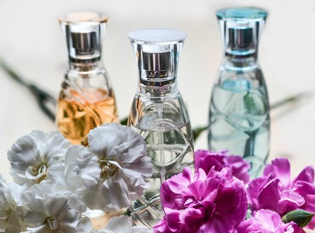 4 Surprising Places to Wear Fragrance and a Few Pro Tips