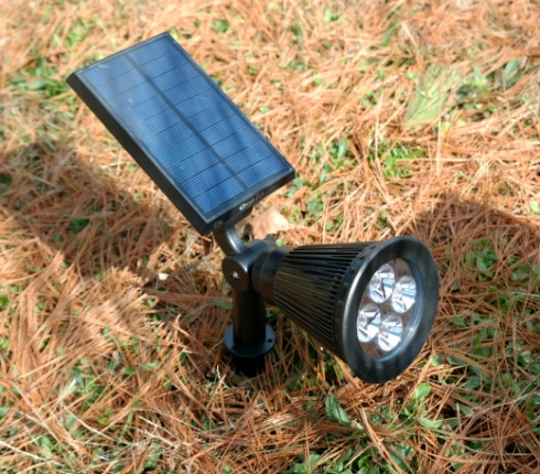 New Landscape Lighting with Solar Powered Spotlights