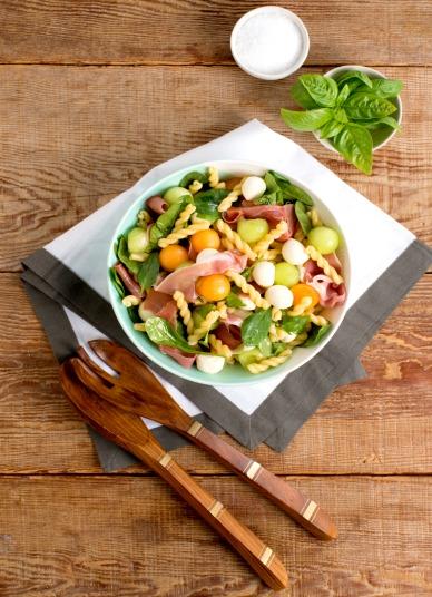 Melon and Prosciutto Pasta Salad Recipe