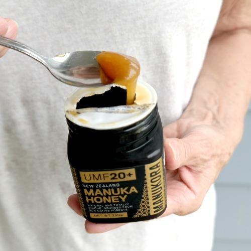 New Zealand Manuka Honey from Manukora