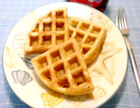Homemade Lemon and Berry Waffles Recipe