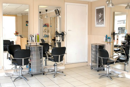 Reasons to Work in a Beauty Salon