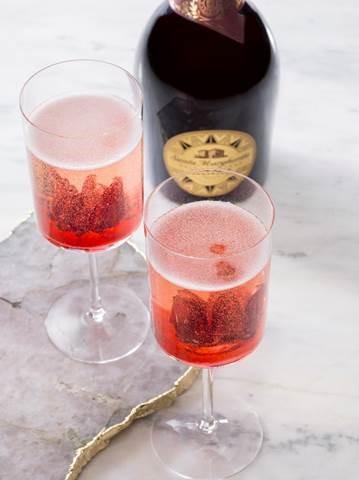 Sparkling Hibiscus Cocktail Recipe
